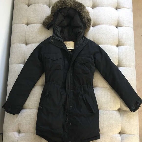 Aritzia Community Down Feather Parka women's xxs